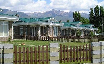Отель, центр отдыха Карвен
